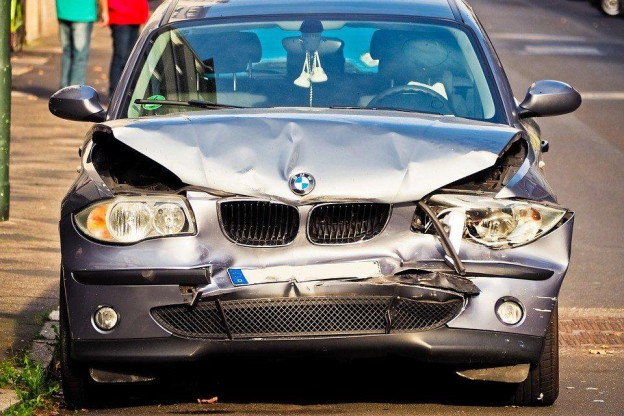 Vendre Son auto accidentée : possible ou impossible ?